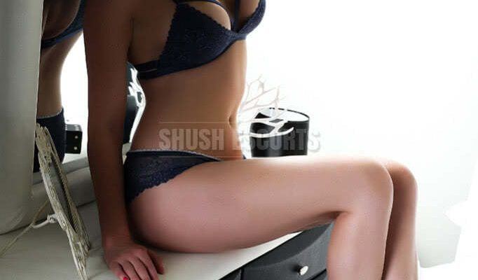 Explore Hot Experience with Airport Escort in Manchester